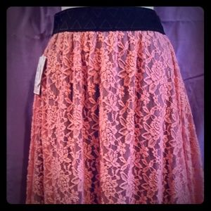 Lularoe is Lola lace skirt